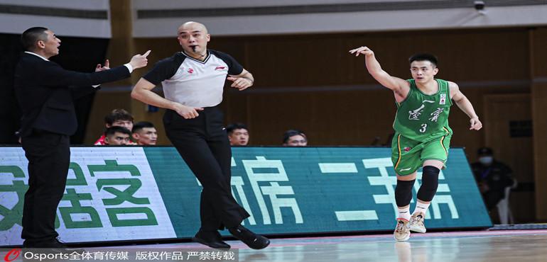 赵继伟37分生涯新高 郭艾伦准三双 辽宁本钢战胜福建豹发力